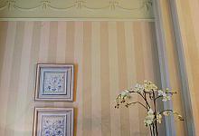 Na zdjęciu są użyte: listwa oświetleniowa C901, listwa ścienna P4020 oraz P7020, dekor G40 oraz G41.