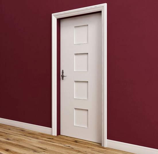 Sztukateria na drzwi i wokół drzwi wewnątrz