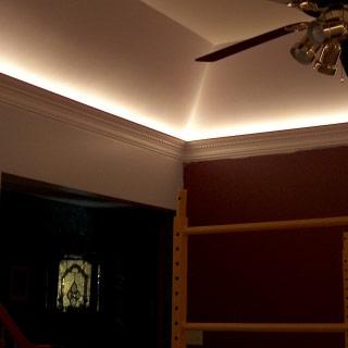 Listwa oświetleniowa LO10 w salonie - Realizacja