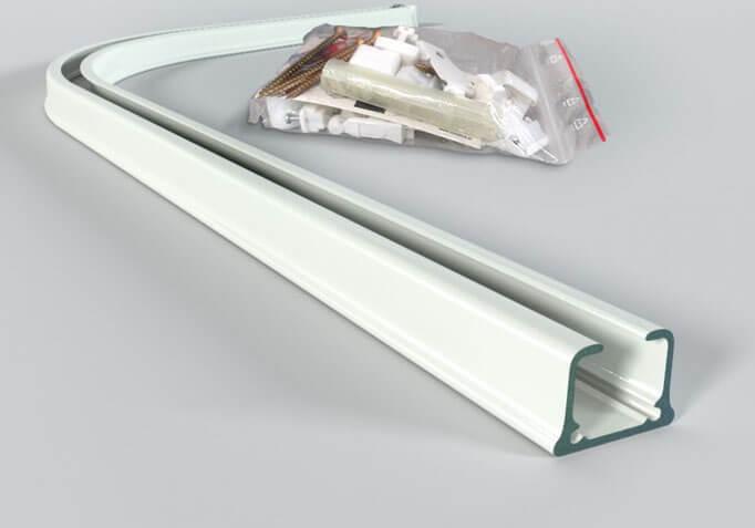 Montaż szyny sufitowej PCV i aluminiowej2