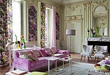 pałacowe wnętrze, fioletowe dodatki