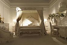 biała sypialnia i romantyczne dodatki